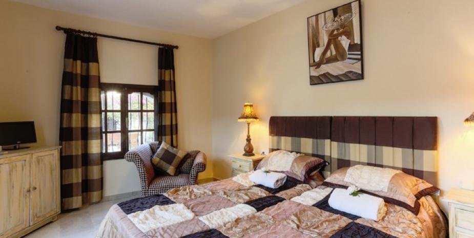 Large finca Marbella Finca Buenaventura bedroom2
