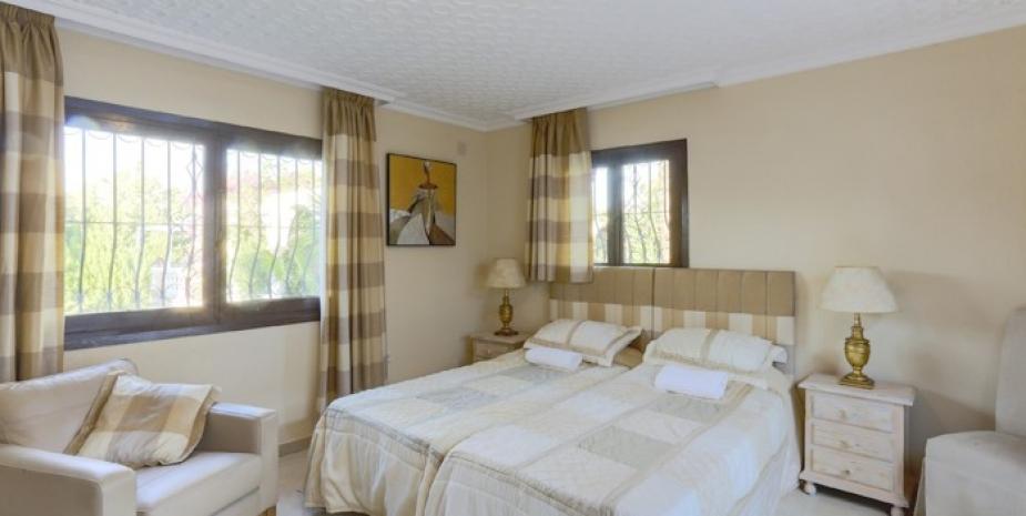 Large finca Marbella Finca Buenaventura bedroom3
