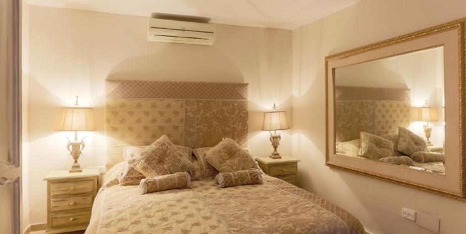Large finca Marbella Finca Buenaventura bedroom4