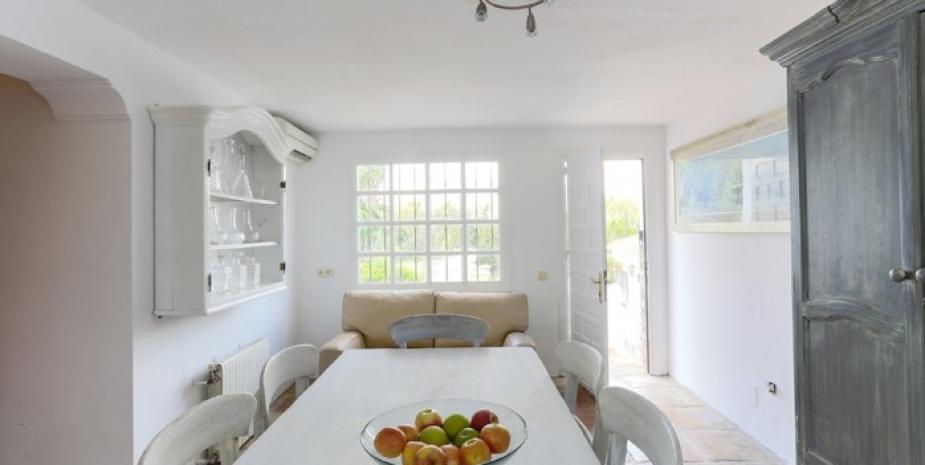 Large finca Marbella Finca Buenaventura breakfast room