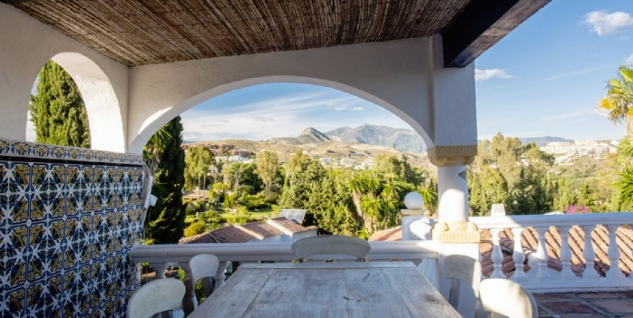 Large finca Marbella Finca Buenaventura dining terrace and mountain views