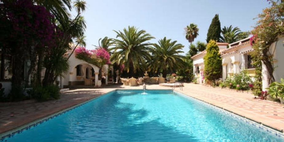 Large finca Marbella Finca Buenaventura relax by the pool