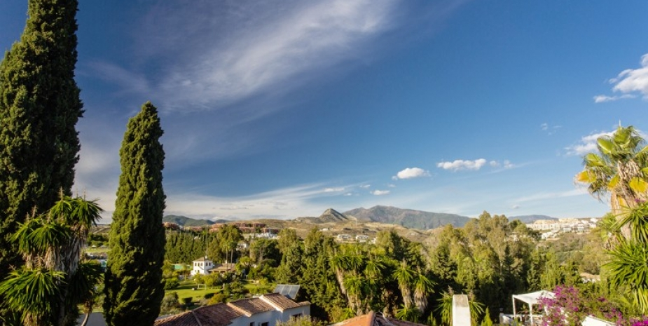 Large finca Marbella Finca Buenaventura wonderful views mountains and sea