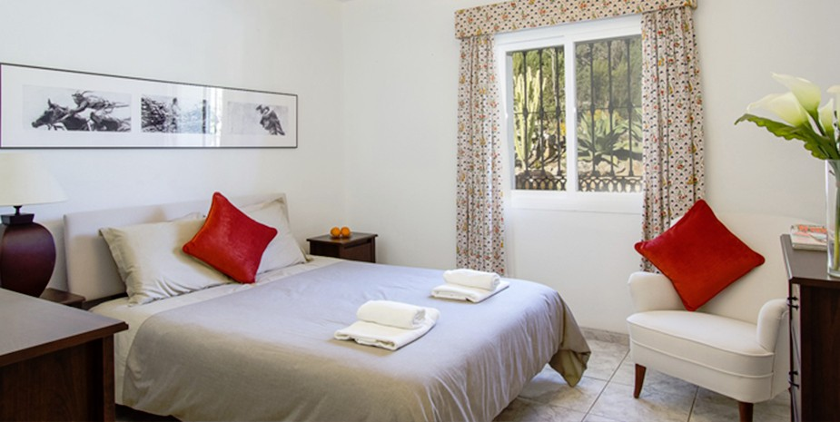 Large villa Estepona Villa Jasmine bedroom 1 ensuite ground floor