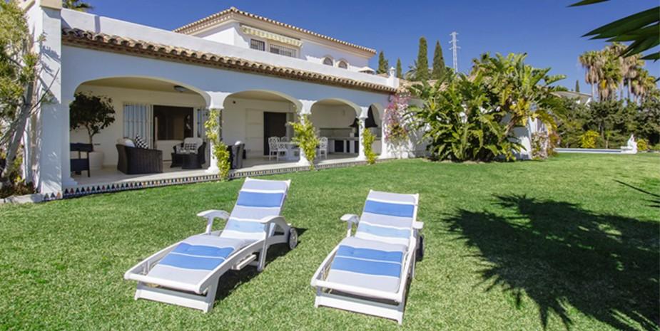 Large villa Estepona Villa Jasmine lawns and villa view