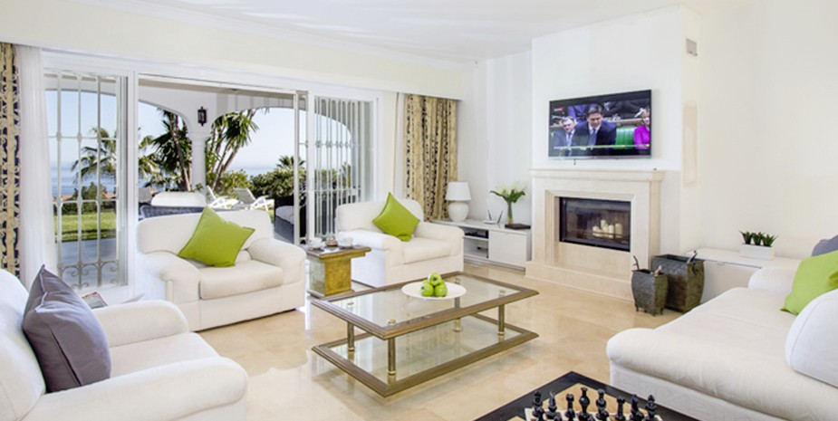 Large villa Estepona Villa Jasmine lounge