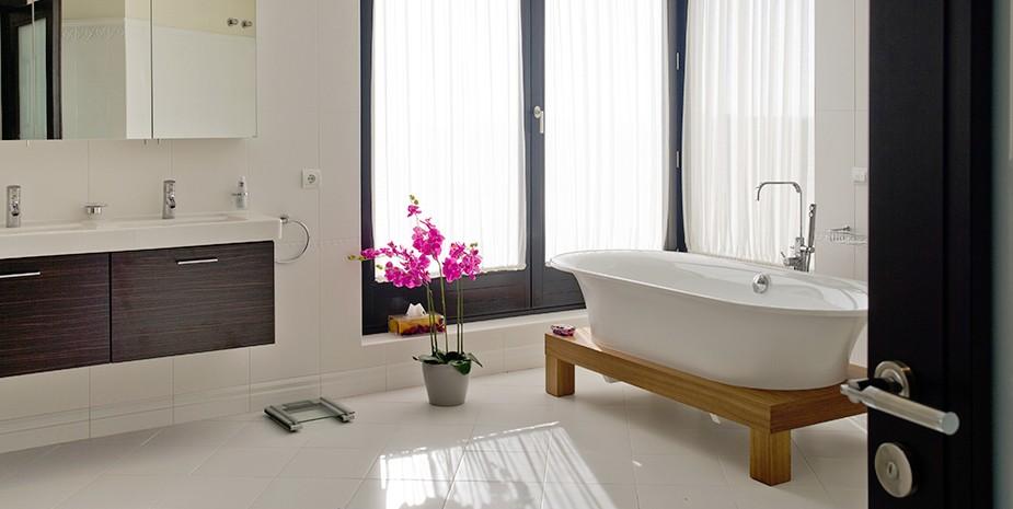 Luxury villa Marbella 10 bedrooms Villa el Cano stunning bathrooms