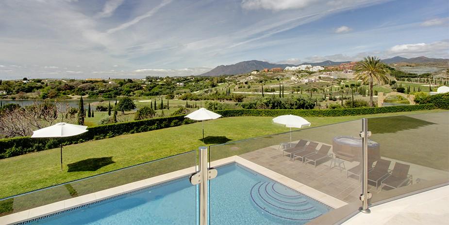 Luxury villa Marbella 10 bedrooms Villa el Cano wonderful sea and mountain views
