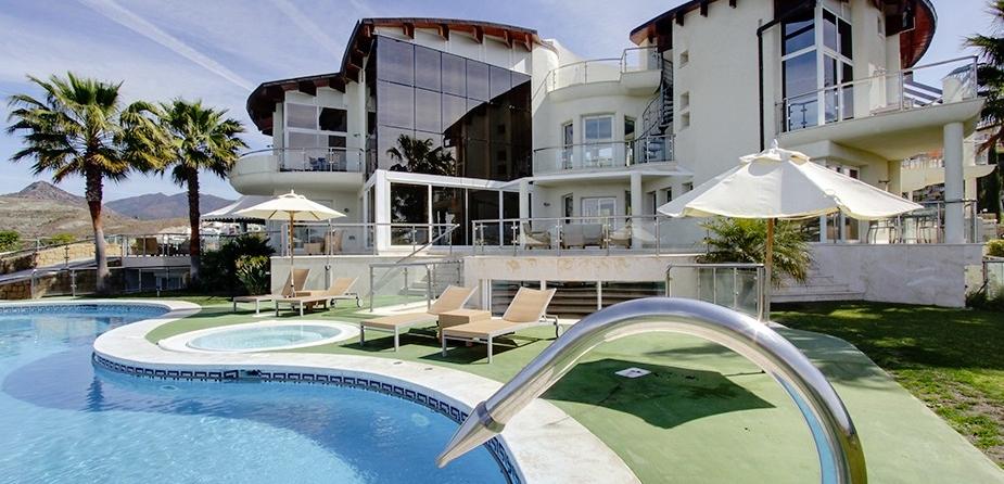 Villa el Cid luxury villa Marbella villa sunshine